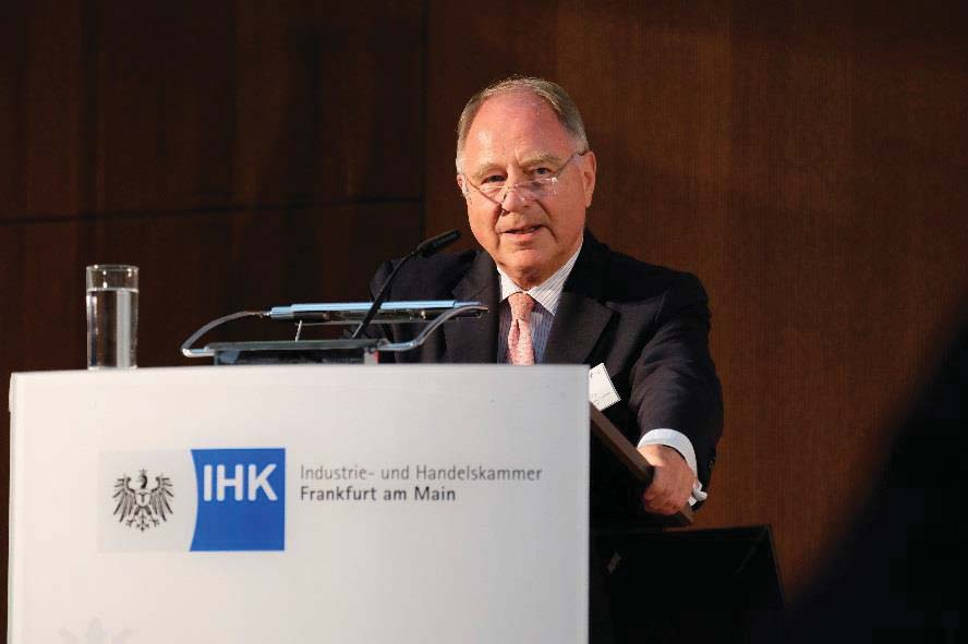 of Hong Kong SAR and Former Executive Director at Hong Kong Monetary Authority über den Aufstieg des RMB Perspektiven für das