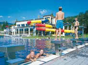 Summertime fun on the BadeINSEL for every age group, guaranteed by a spacious outdoor pool and an attractive indoor area, dive tower, beach-volleyball arena and numerous aquatic attractions, above