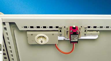Easy electrical connection via a spring terminal with an additional contact to control a fan or air conditioner.