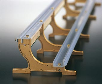 Elements of RX Series Touch Extruded Aluminum Action Rail The following elements of the action rail ensure proper hammer alignment for stable, consistent touch and tone: Extrusion The extrusion