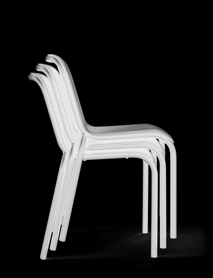 chair Buzz designer Bertjan Pot eng ned de An archetype with a twist: the seat of the Buzz is made of 3D formed, ultrathin veneer.