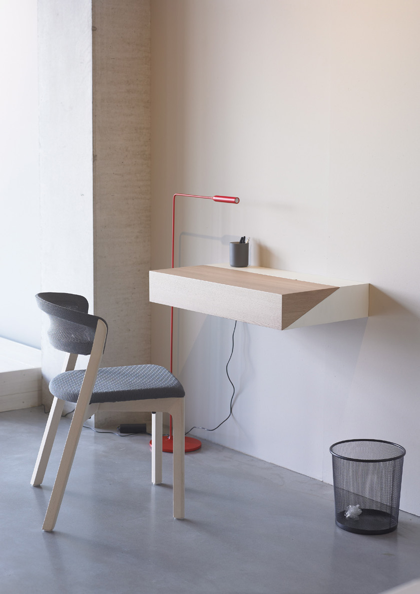 additional Deskbox designer Yael Mer & Shay Alkalay eng ned de The Desk Box is a practical wall-mounted box that can be extended to create a small desk.