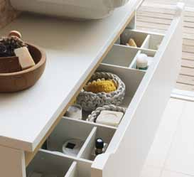 An interior drawer is optional for certain vanity units, offering the possibility of an even better use of space.