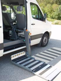 Easy to fix to the vehicle floor and has a low own weight. Double parking modes for flexible goods handling.