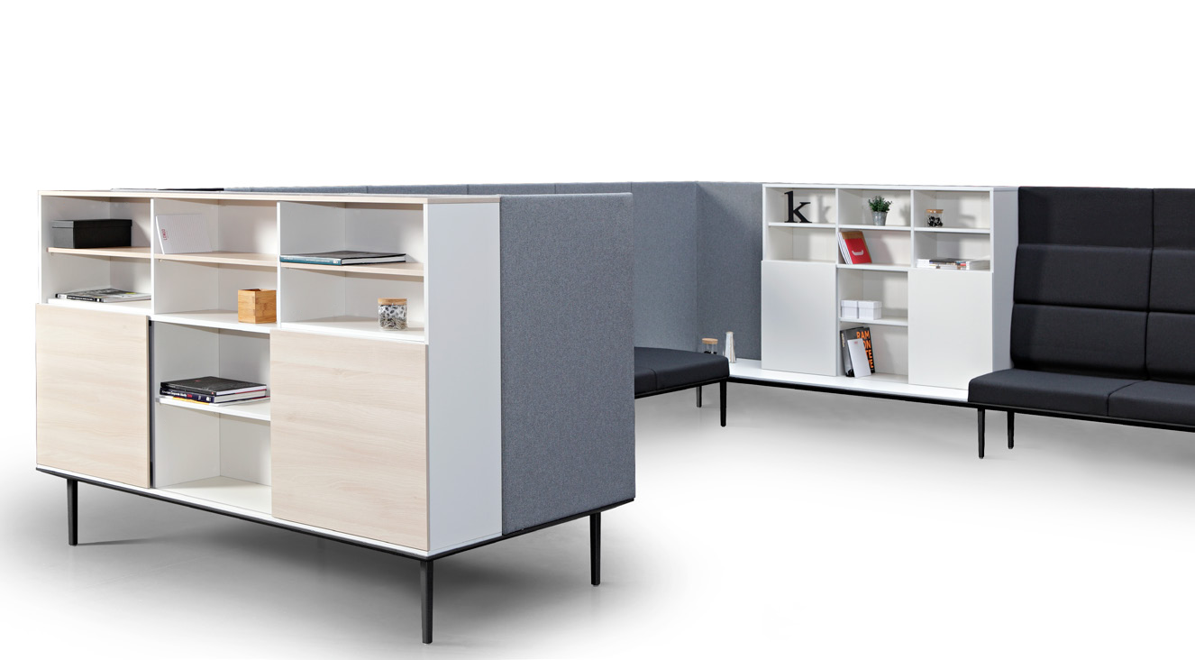 Longo is a modular system consisting of sofas, operative and managerial desks, with storage solutions ( cabinets, libraries), accessories and sound absorbing panels which incorporate decorative