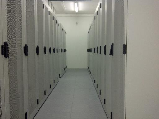 Serveroutsourcing, Housing, Hosting Colocation vs.