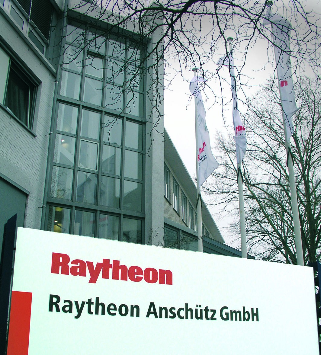 Raytheon Anschütz - The