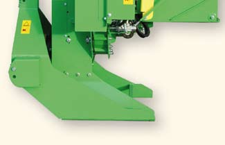 compostaggio ma anche per impianti di riscaldamento a cippato. The TC15 is a sturdy chipper with 30mm thick cutting disk and 620 mm in diameter, very compact design.