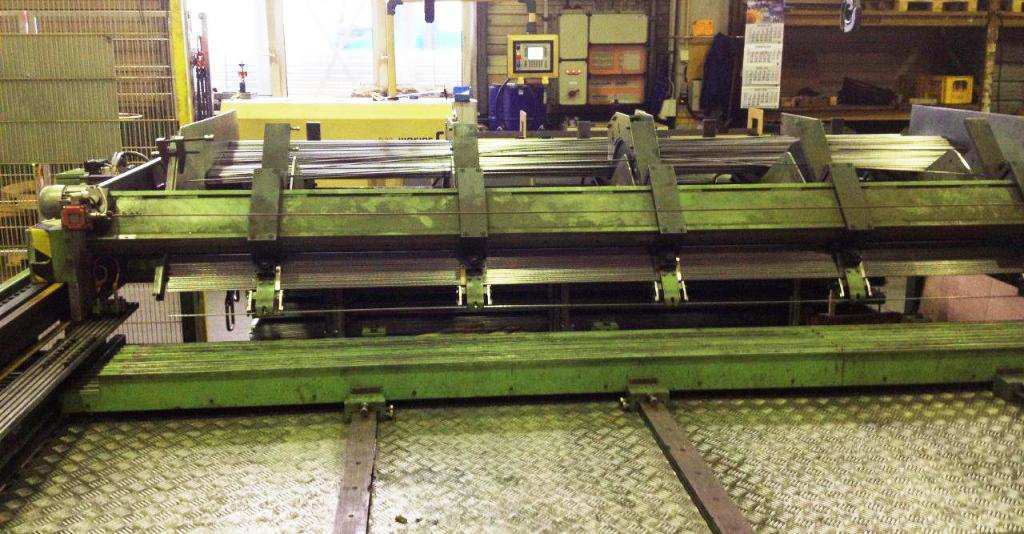 IDEAL Wire Welding Line GA 400/1600 The IDEAL Welding Line GA 400/1600 is used to produce cable trays made of wire. The machine has an additional cropping unit for production.