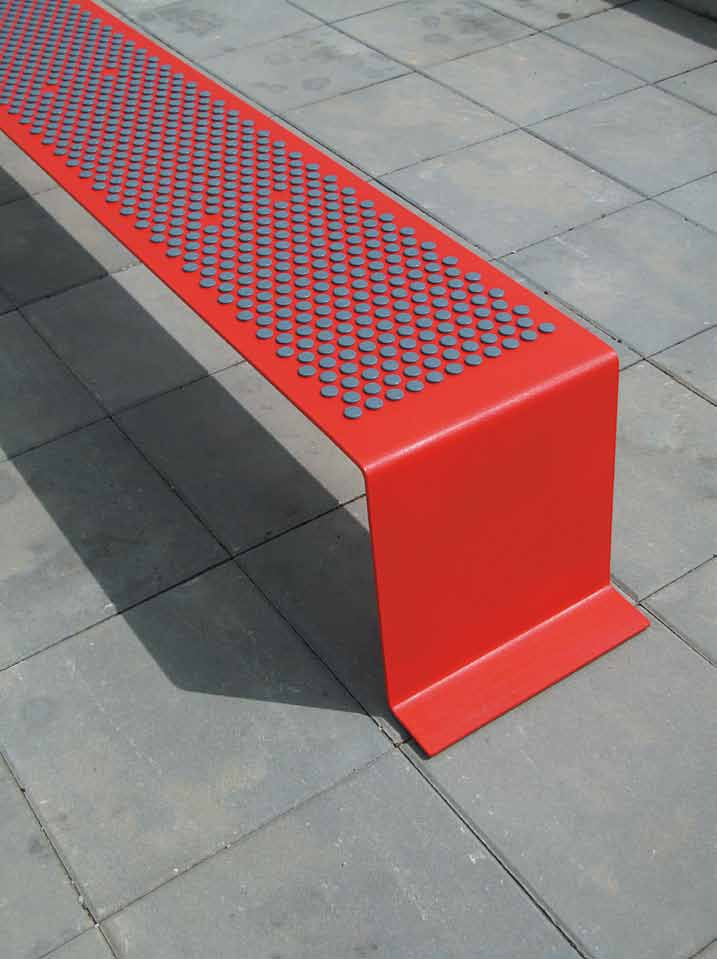 sinus Expanding the original concept of tree grilles, Sinus was created from a number of separate benches with an unmistakable expression.
