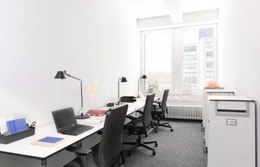 München Highlight Towers 2. OG // 27.01.2015 Office Spaces Coworking Spaces Conference Spaces 1 2 Abb. ähnlich 1. OG // 27.01.2015 2 1 Flexible Office S Flexible Office M 2.