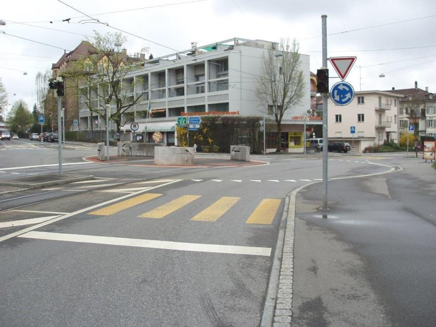 roundabouts with traffic lights Roundabouts in Bern have