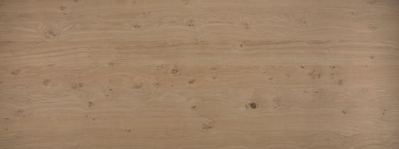 PURE OAK REINE/UNVERFÄLSCHTE EICHE Oak veneered board with rustic appearance.