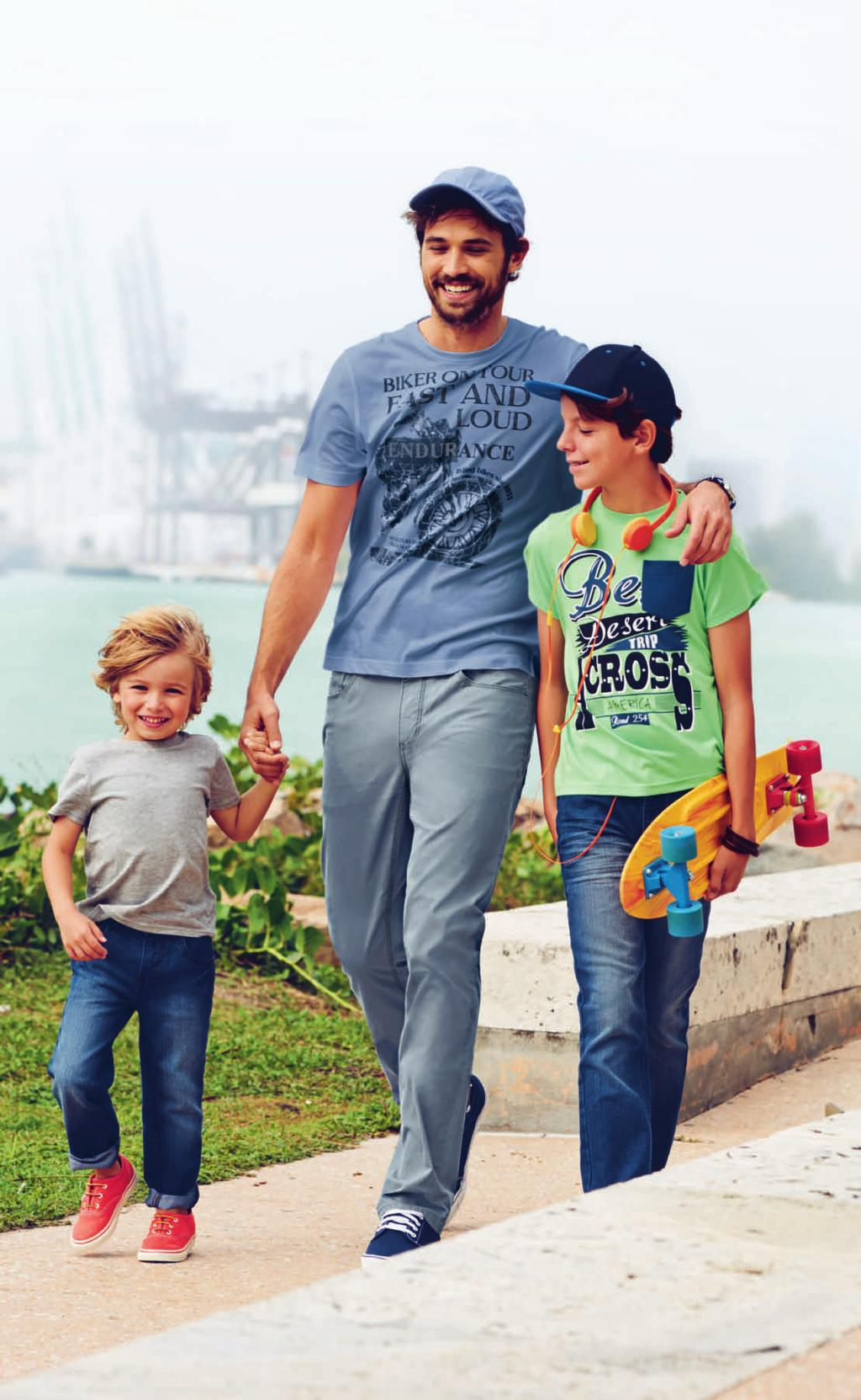 Mini Boys Gr. 92 128: Jeans 12.99 «Slim Fit», moderne Waschung, Mann: T-Shirt 9.