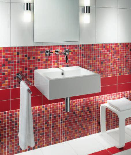 Wand Mur Wall: 1500 H weiß blanc white 1506 H korallenrot rouge corail coral-red 1596 H rot rouge red Boden Sol Floor: 1530 H weiß blanc white 1596 H rot rouge