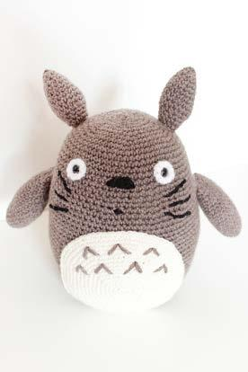 Grey Totoro Free Crochet Pattern (With images) | Totoro pattern ... | 414x276
